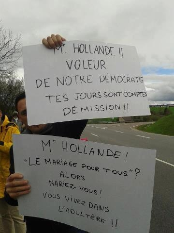 Hollande voleur.jpg