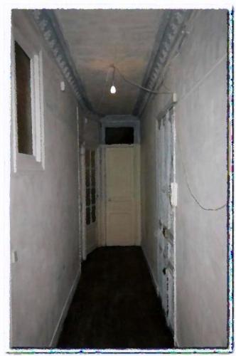 Le long couloir la nuit.jpg